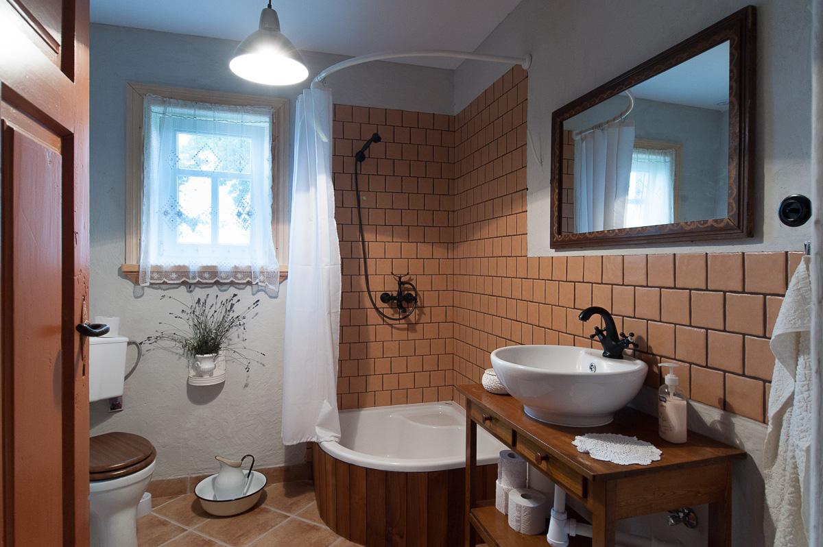 Agroturystyka Hajnówka Białowieża - łazienka w Etno Kwaterze Korolowa Chata